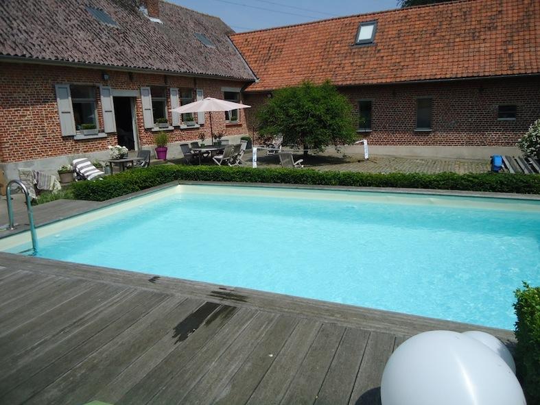 Abris de jardin en wallonie chalet de jardin abri for Construction piscine tva