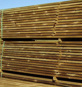 Traitement en autoclave du bois chalet de jardin trait s for Chalet bois traite autoclave